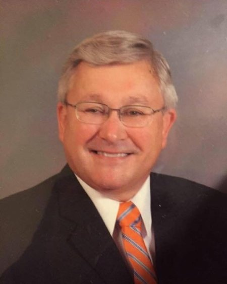 Obituary of Rod Schuh | Sellars Funeral Homes located in Lebanon, T